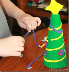 Felt Christmas Tree - Pinned by @PediaStaff – Please visit http://ht.ly/63sNt for all (hundreds of) our pediatric therapy pins