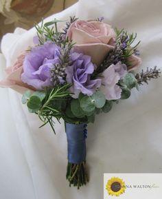Lilac posy