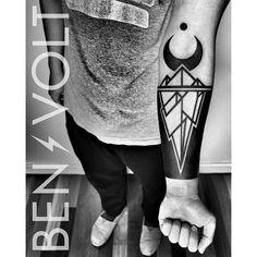 Blackwork iceberg tattoo by Ben Volt