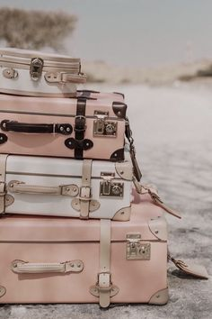 Collage Mural, Wallpaper Collage, Bedroom Wall Collage, Photo Wall Collage, Picture Wall, Rose Gold Aesthetic, Baby Pink Aesthetic, Beach Aesthetic, Aesthetic Vintage