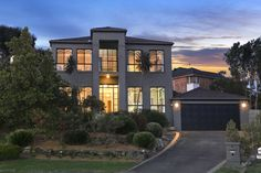 6 Baeckea Place Frechs Forest  5 Bed 2 Bath 2 Car  http://www.belleproperty.com/buying/NSW/Northern-Beaches/Frenchs-Forest/House/62P1268-6-baeckea--place-frenchs-forest-nsw-2086