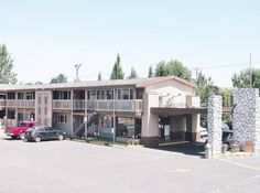 Banfield Motel Portland (Oregon) Situated off Interstate 84, this motel in Oregon is a 5-minute drive from downtown and 4.6-miles from Portland State University. The motel offers free Wi-Fi and guest rooms with cable TV.  Each room at Banfield Motel includes dark wood furniture.