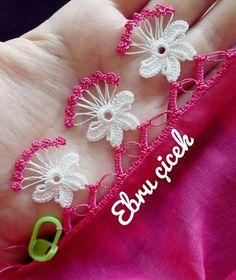 Crochet Boarders, Crochet Motifs, Bead Crochet, Crochet Stitches, Knitting Designs, Knitting Patterns, Crochet Patterns, Silk Ribbon Embroidery, Hand Embroidery