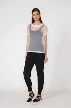 layer tee / white by Moochi. Everyday luxury, from off-duty essentials to coveted designer pieces. Off Duty, Spring 2016, Layers, Normcore, My Style, Tees, Sewing Ideas, Stuff To Buy, Clothes
