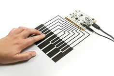 CONVIERTE CUALQUIER SUPERFICIE EN INTERACTIVA. TOUCH BOARD, una placa basada en la Arduino y que busca el acercamiento de la electrónica al uso doméstico.