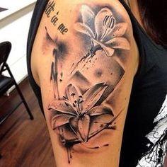Черно-белые цветки лилий