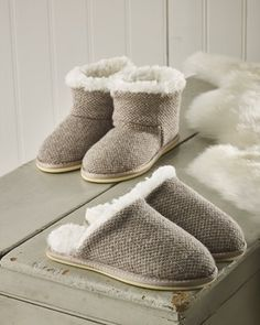 e0a70715de3d 55 Best sheepskin slippers images