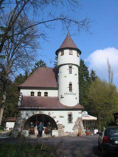 Františkovy Lázně - Rozhledna Zámeček Lookout Tower, Czech Republic, Towers, Wall Decor, Mansions, Decoration, House Styles, World, Building