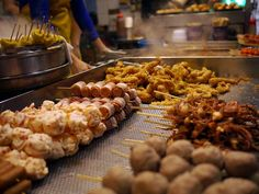 Not only does Mong Kong offer great shopping markets but the street food scene is the best of its kind in #HongKong.
