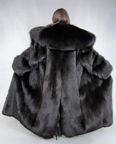 Winter Coats Women, Coats For Women, Fur Bomber, Fox Fur Coat, Fur Fashion, Warm Coat, Mantel, Furs, Faux Fur