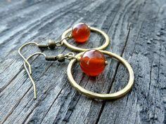 . Messing, Etsy, Earrings, Jewelry, Carnelian, Ear Jewelry, Jewellery Making, Stud Earrings, Ear Rings