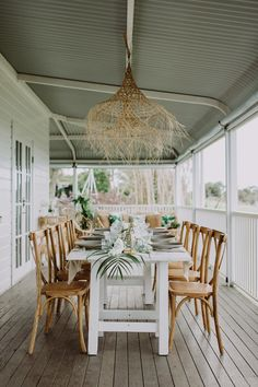 Glam Tropical Luxe Wedding Inspiration in Byron Bay with a colour palette of white, antique gold and green. The bridesmaid wears gold sequins by Spell Byron Bay. Tropical Interior, Tropical Home Decor, Modern Tropical, Tropical Style, Tropical Houses, Tropical Furniture, Tropical Colors, Tropical Kitchen, Do It Yourself Design