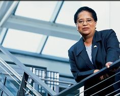 Dr. Shirley Jackson, the first black woman to earn a doctorate at MIT. Many other accomplishments/firsts, among them the first black woman to helm a a polytechnic institue (Renslaaer(. // 7 Black Female Pioneers in Education | Madame Noire | Black Women's Lifestyle Guide | Black Hair | Black Love