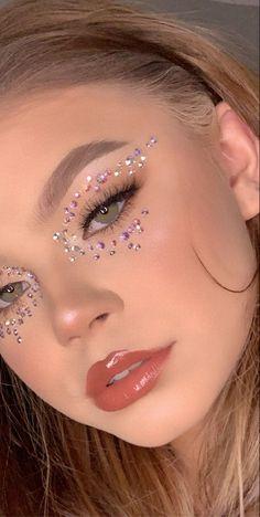 Rave Makeup, Edgy Makeup, Makeup Eye Looks, Eye Makeup Art, Pretty Makeup, Skin Makeup, Makeup Inspo, Makeup Inspiration, Rhinestone Makeup