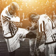 Pogba & Dybala - Juventus 2015-2016 Paul Pogba, Soccer Players, Neymar, Ronaldo, Random Stuff, Couple Photos, Nice, Happy, Girls