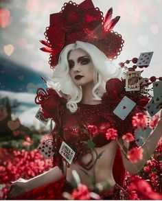 Forget Disney protagonists, the incredible cosplayers choose to embrace the dark side and play the villains. Forget Disney protagonists, the incredible cosplayers choose to embrace the dark side and play the villains. Fantasy Queen, Fantasy Art, Dark Fantasy Makeup, Maquillage Halloween, Halloween Makeup, Halloween Inspo, Halloween Costumes, Costume Alice, Queen Of Hearts Costume