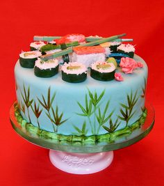 Cute! But I think I might try the plastic sushi grass or recreate that around the outside...