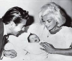 Jayne mansfield husband mickey hargitay daughter jayne son for Mariska hargitay mother and father