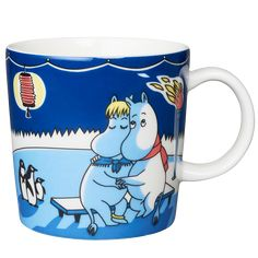 Moomin winter season mug Light Snowfall, features Moomintroll from the book Moominland Midwinter. The design is based on Tove Jansson's original artwork which Tove Slotte has interpreted in this lovely mug. Tove Jansson, Moomin Mugs, Marimekko, Fuzzy Felt, Ceramic Cups, Cute Characters, Stop Motion, A Comics, Finland