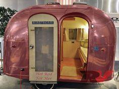 1947 Aeroflite 1957 Spartan Royal Manor Series A Caravaning et retro camping - Vintage trailer & van Airstream Campers, Retro Campers, Cool Campers, Remodeled Campers, Vintage Campers, Vintage Motorhome, Small Campers, Airstream Decor, Airstream Bambi