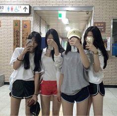 - Ulzzang Girl Part 1 . Korean Girl Ulzzang, Ulzzang Couple, Ulzzang Fashion, Korean Fashion, Moda Ulzzang, Korean Best Friends, Girl Friendship, Best Friend Pictures, Best Friend Goals