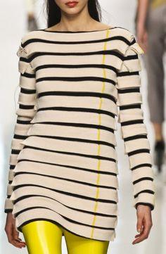 tunic dress long sleeve Star Fashion, Fashion Women, Fashion Trends, Street Style Shoes, Tunics Online, Tunic Designs, Long Tunic Tops, Fashion Details, Fashion Design