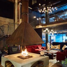 Veckans snackis i Västerås, The Steam Hotel har öppnat. Coffee Shop Interior Design, Luxury Kitchen Design, Modern House Design, Fake Fireplace, Cozy Fireplace, Fireplace Design, Hotel Lobby, Industrial Living, Cottage Homes