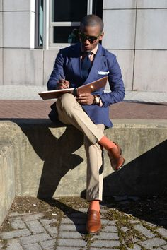 http://mossandmarsh.tumblr.com/post/18494744436/mensstylepro-becoming-mens-style-pro-feature