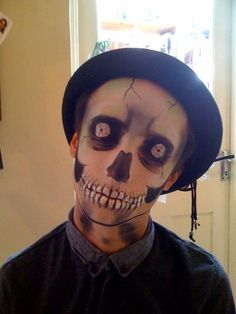Face painting halloween skull