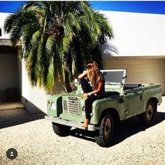 @defendergirls   #landrover #landroverdefender #love #girl #girls #defender #summerlove #defenderlove #adventurethatislife #adventures #temptation #woman #look #pretty #beautiful #surf #beach #fun...