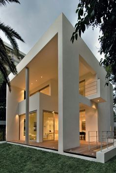 Detached house in Kifissia, Athens / Katerina Valsamaki (a bit too modern for me but LOVE the architecture! Amazing Architecture, Contemporary Architecture, Interior Architecture, Luxury Interior, Building Architecture, Luxury Decor, Contemporary Interior, Room Interior, Building Design