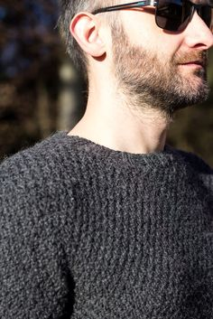 DIY Knitted Mens Sweater Pullover - free pattern