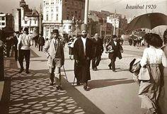 Twitter / eminecaykara: Bu da 1920 İstanbul'u, köprü ...