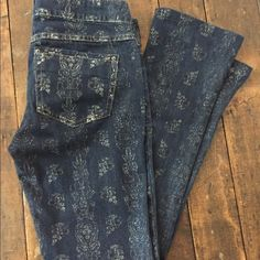 "Free People jeans sz 25 Free People print jeans, size 25. Brand new without tag. Inseam measures 28"". Free People Jeans Straight Leg"