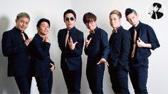左から、ダンサーのパイレーツオブマチョビアン、Show-hey、ボーカルの中田敦彦、藤森慎吾、ダンサーのFISHBOY、つとむ。 取材当日は出席できず…。ダンサーのSHiN