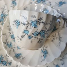 Myott Forget-me-not. One of my favorite patterns. The crazing just makes it more charming. Settings for 5 just listed in my eBay store. . . . #vintagechina #forgetmenot #myottchina #grandmaschina #cottagestyle #ebayvintage #linkinprofile