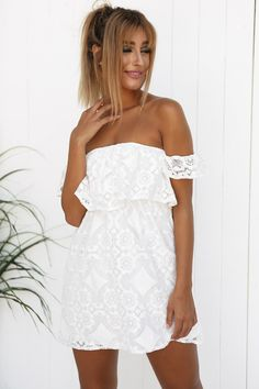 Lovin' this lace // Shop now http://amaroso.co/a/VV3TFfEO #fashion #trend #style