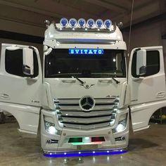 Semi Trucks, Big Trucks, Customised Trucks, Mercedes Benz Trucks, Volvo, Techno, Hot Rods, Jeep, Transportation