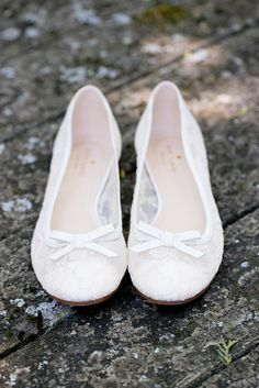 White Lace Kate Spade Flats | Woodstock Productions | Orchard Cove Photography https://www.theknot.com/marketplace/orchard-cove-photography-charlotte-vt-552425 |