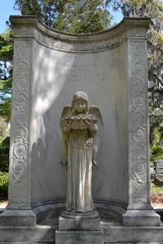 1000 images about midnight in the garden of good evil on pinterest bonaventure cemetery for Imdb midnight in the garden of good and evil