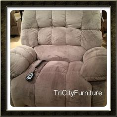 Extra large give you room, or you and the kids, you and the wife, you and your 3 dogs! This chair is very wide and built strong!