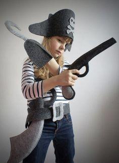 costume                                                       …