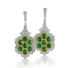 A unique pair of earrings incorporating emeralds and yellow diamonds #DavidMorJewelry #earrings #jewelry #diamonds #handmade #jewels #flawless #emeralds #platinum #fancy #yellow #luxury #rare #love #style #precious #highjewelry #beauty #diamond #platinumjewelry #greenjewelry #spring #instajewelry #accessories #nyc #photooftheday