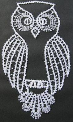 Risultati immagini per bobbin lace owl paper Crochet Paisley, Irish Crochet, Crochet Motif, Crochet Lace, Crochet Patterns, Lace Tape, Bruges Lace, Bobbin Lace Patterns, Lacemaking