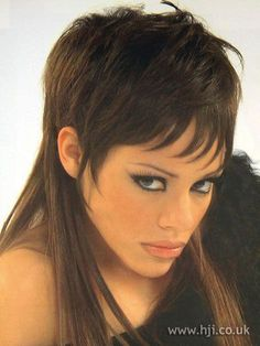 Photo of 2002 brunette fringe hairstyle Shaggy Long Hair, Short Choppy Hair, Long To Short Hair, Short Hair Wigs, Long Layered Hair, Medium Hair Cuts, Long Hair Cuts, Medium Hair Styles, Short Hair Styles