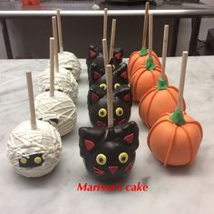 See 3 photos and 1 tip from 10 visitors to Marissa's Cake. Halloween Desserts, Halloween Candy Apples, Halloween Cake Pops, Halloween Food For Party, Halloween Treats, Apple Birthday, Birthday Cake, Gourmet Candy Apples, Cute Snacks