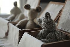 ✚knitted animals in wooden boxes✚