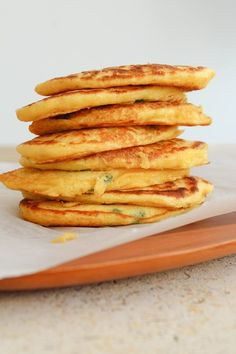 Pancakes al mais verde Santo Legume The post Frittelle Di Mais Verde appeared first on Dieta Internet-Tagebuch. Real Food Recipes, Vegetarian Recipes, Baked Breakfast Recipes, Vegan Breakfast, Good Food, Food And Drink, Snacks, Crepes, Low Carb
