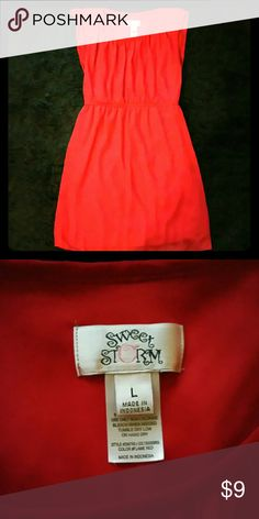 Red dress Cute flowy red dress. The dress size is a size large. Dresses Midi