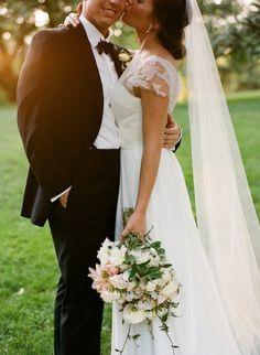 black-tie-manhattan-wedding-central-park-white-pink-bouquet